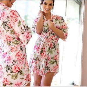 NWOT Show Me Your Mumu Garden Bloom Robe